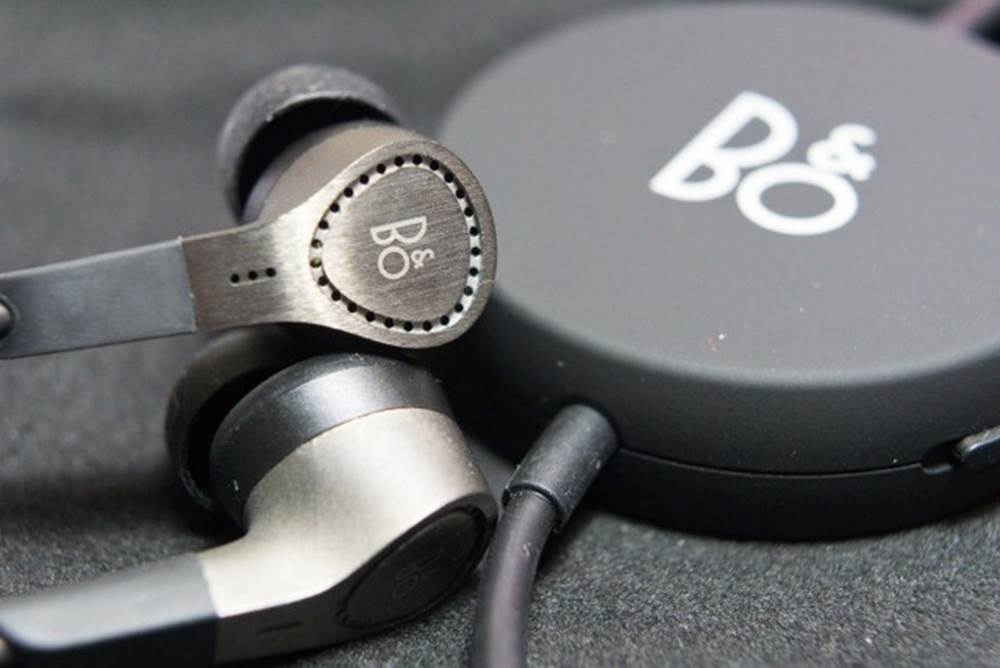 B&O PLAY Noise Cancelling Earbuds