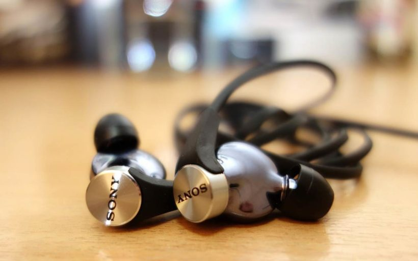 Sony MDR-XB90EX Extra Bass Earbuds