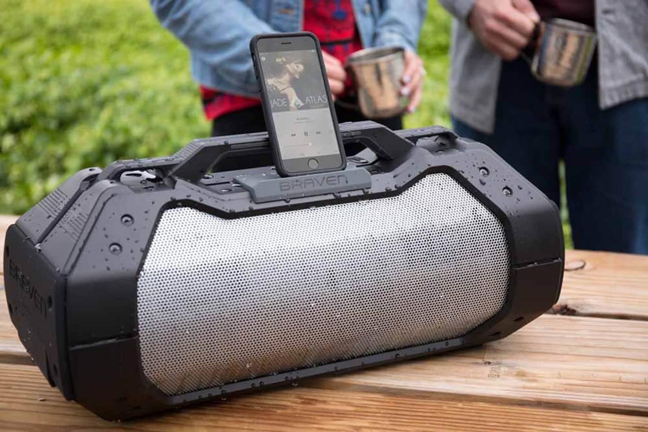 BRAVEN BRV-XXL Bluetooth Speaker (1)