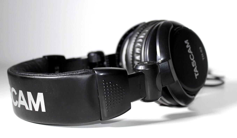 Tascam TH-02 Studio Headphones