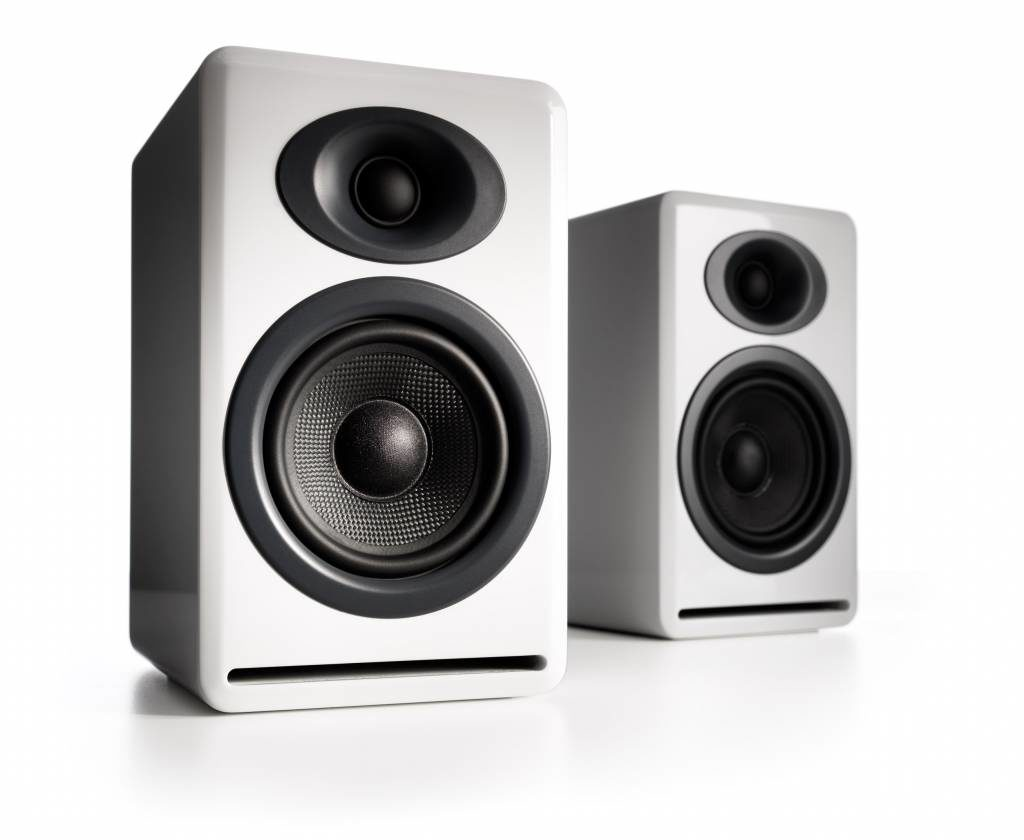2 Audioengine P4 Bookshelf Speakers