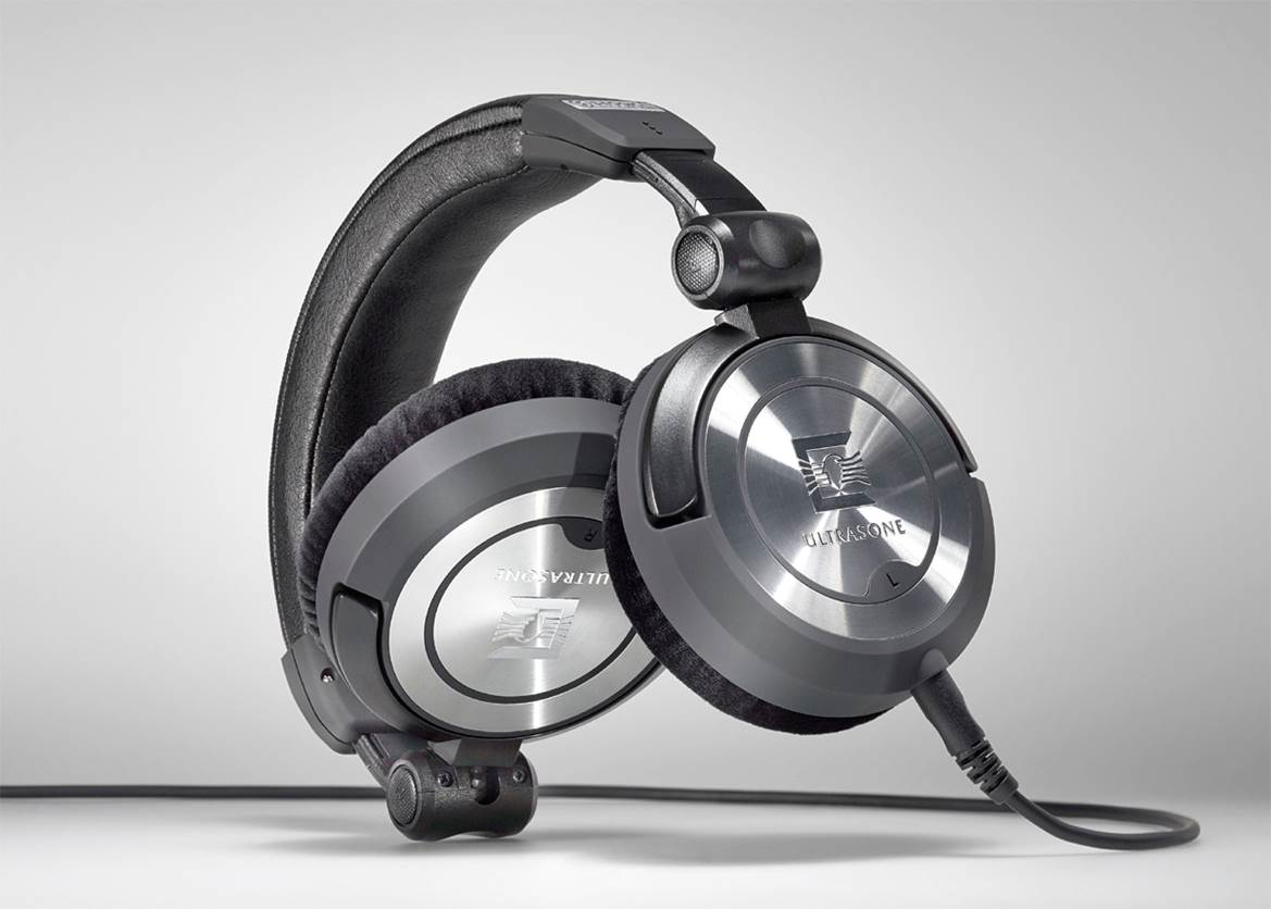Ultrasone Pro 900 best bass headphones
