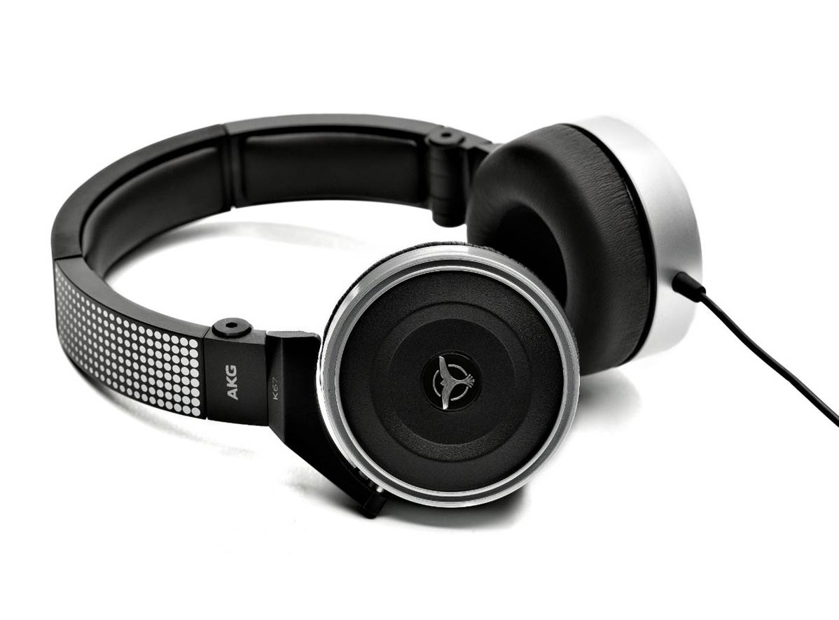 AKG Pro Audio K167 DJ Headphones