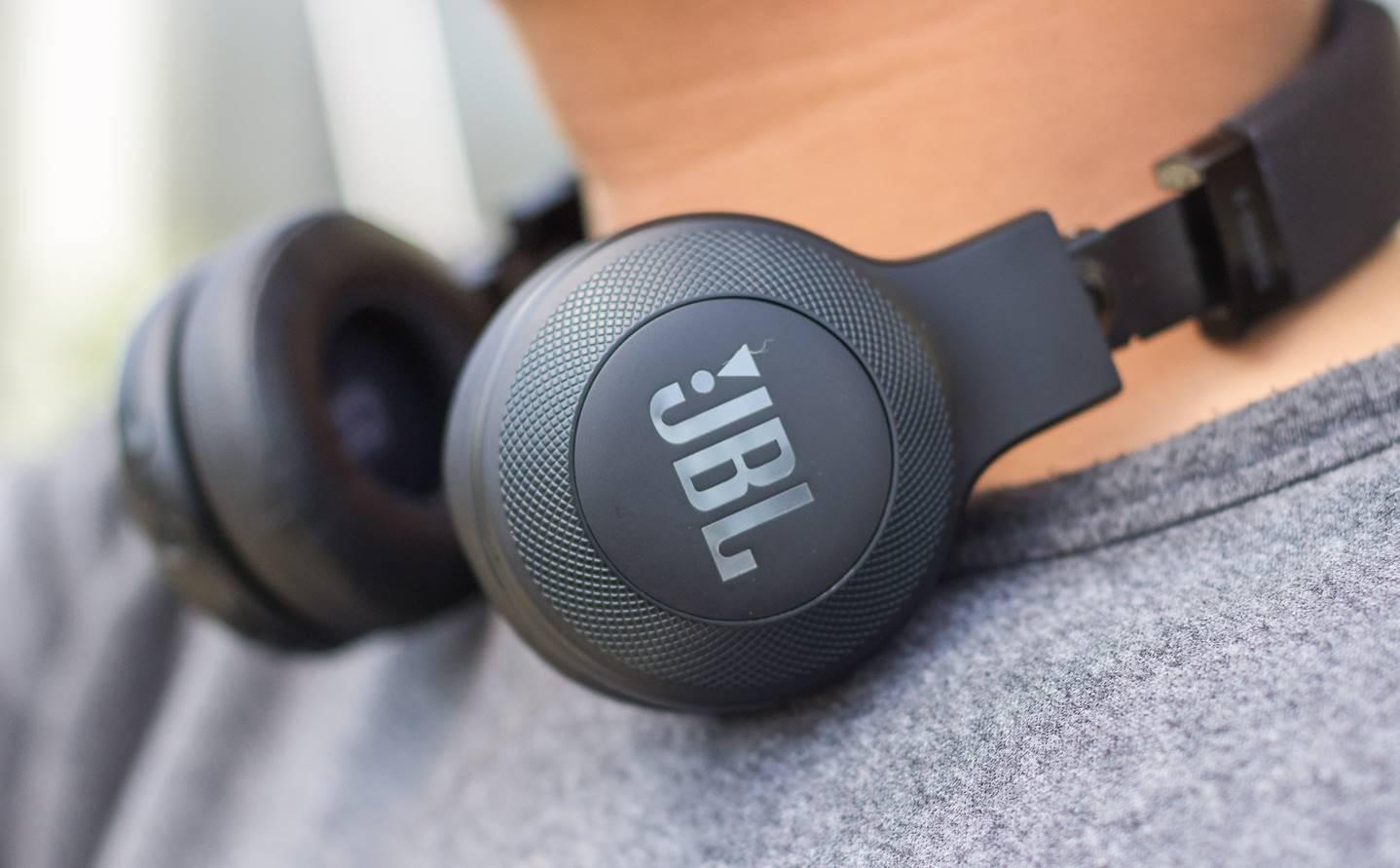 Top 10 Best Jbl Headphones In 2019 Bass Head Speakers